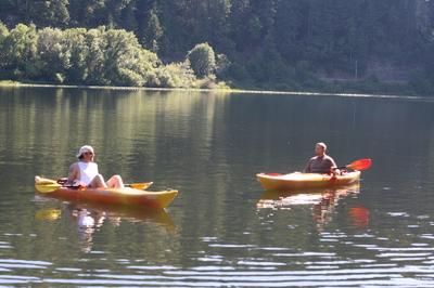 Guys_in_kayaks